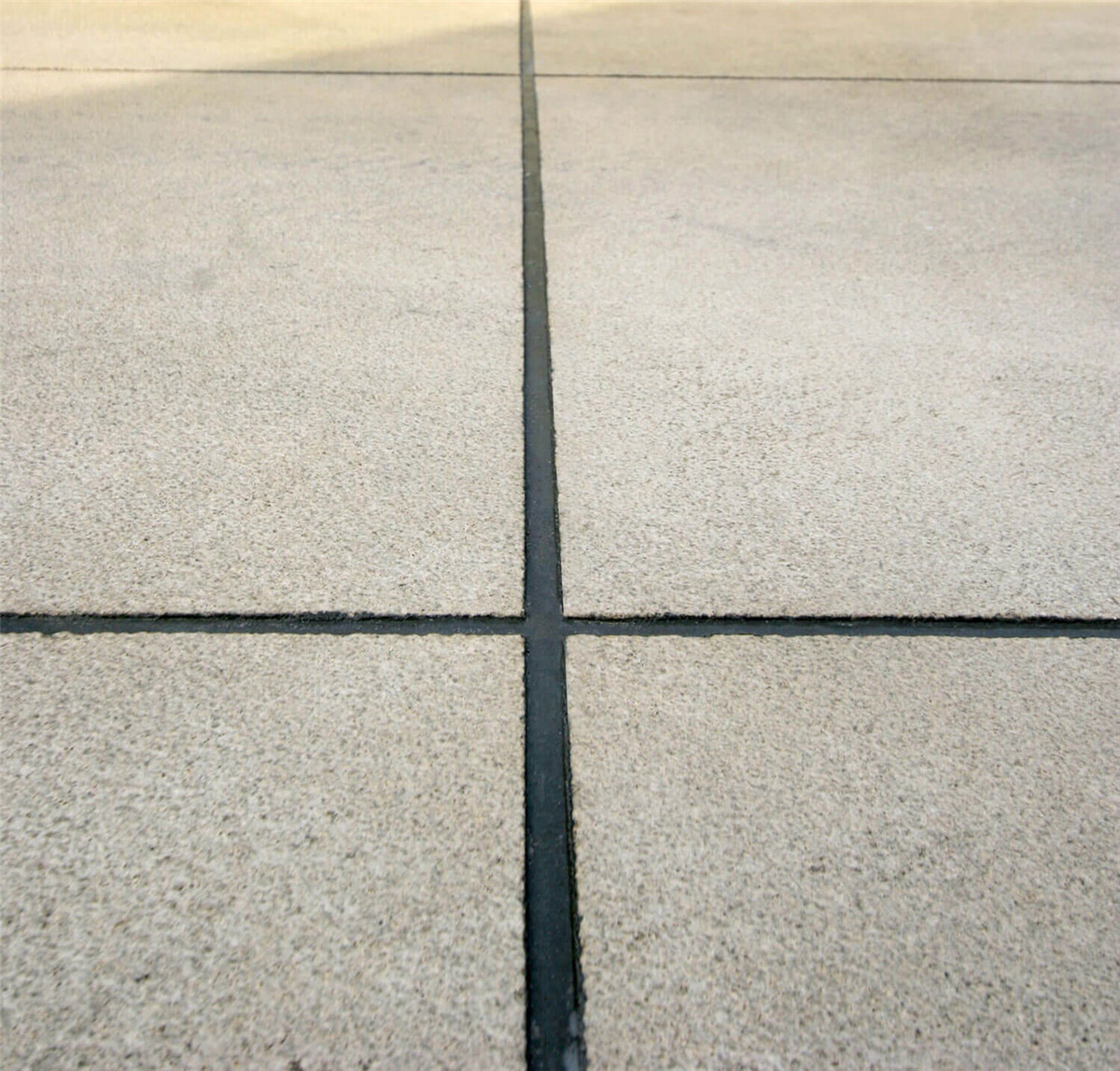 How To Deal With Ground Expansion Joints In Epoxy Flooring Construction